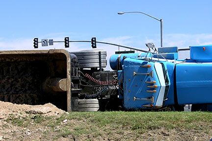 This is a picture of a truck accident. If you are the victim of any type of accident in Southeast Louisiana, call a Baton Rouge personal injury attorney today for a free initial consultation.