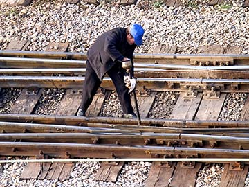 Louisiana railroad workers face dangerous conditions on a daily basis. When they are injured, a federal statute called FELA is there to provide compensation. Baton Rouge FELA attorneys are experienced in handling railroad injury claims and can expertly guide you through the process to get you the money you deserve.